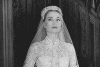 Das Brautkleid mit antiker Spitzenborte und hunderten winziger Perlen wurde dem Philadelphia Museum of Art gespendet.